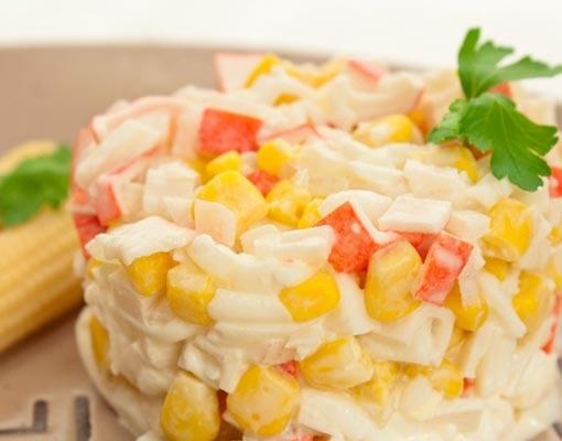 Вкусный салат с кукурузой